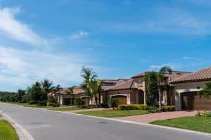 A neighborhood in Florida where people have HOAs.